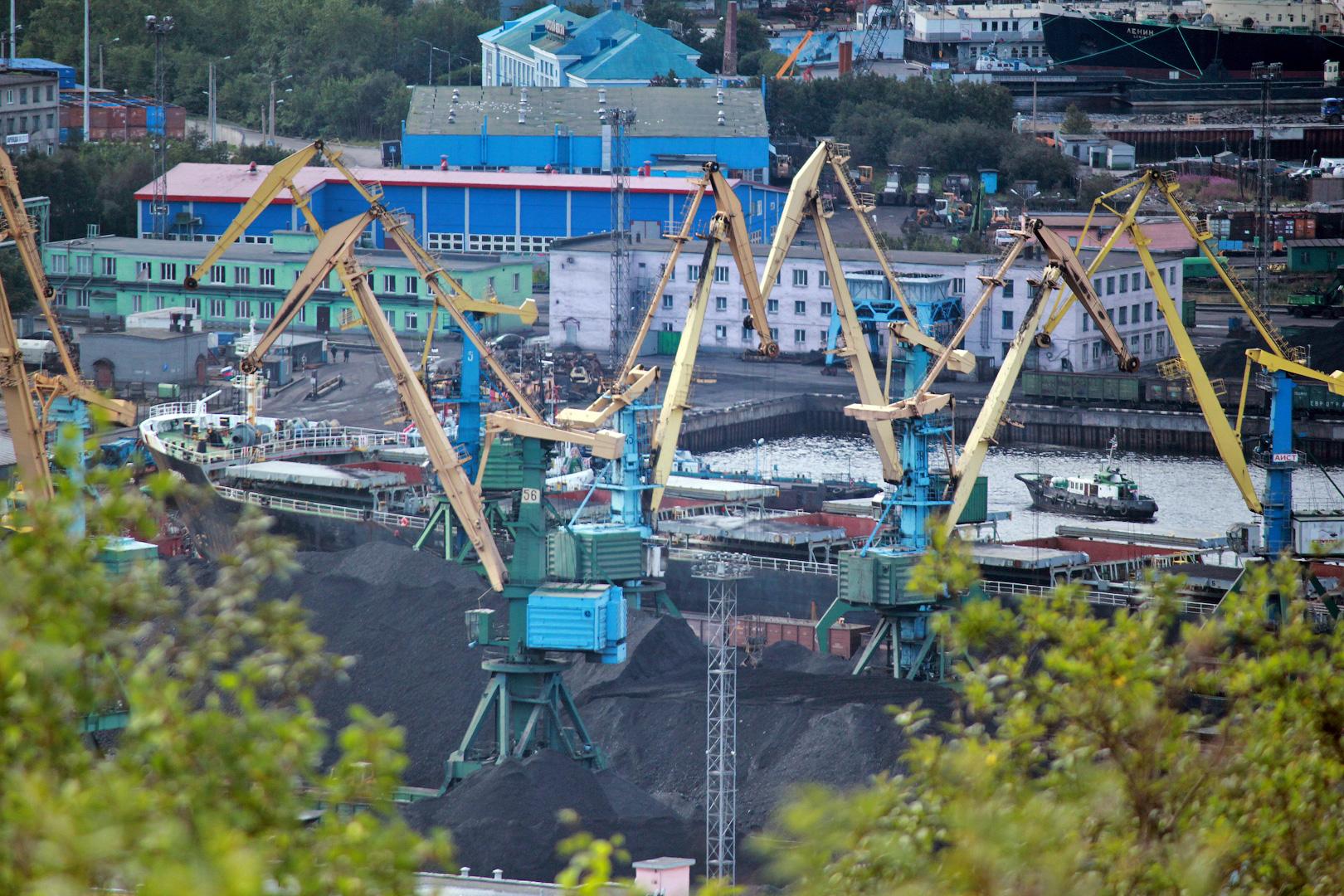 Грузооборот морских портов России в январе-марте увеличился на 5,7%