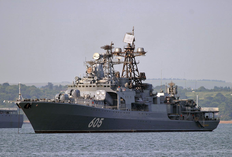 Корабли Северного и Черноморского флотов проводят совместное учение
