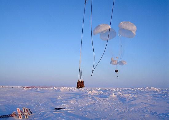 Летчики ВТА завершили доставку грузов