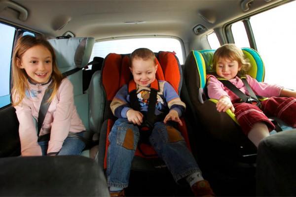 96 многодетных семей Поморья получили субсидии на покупку транспорта