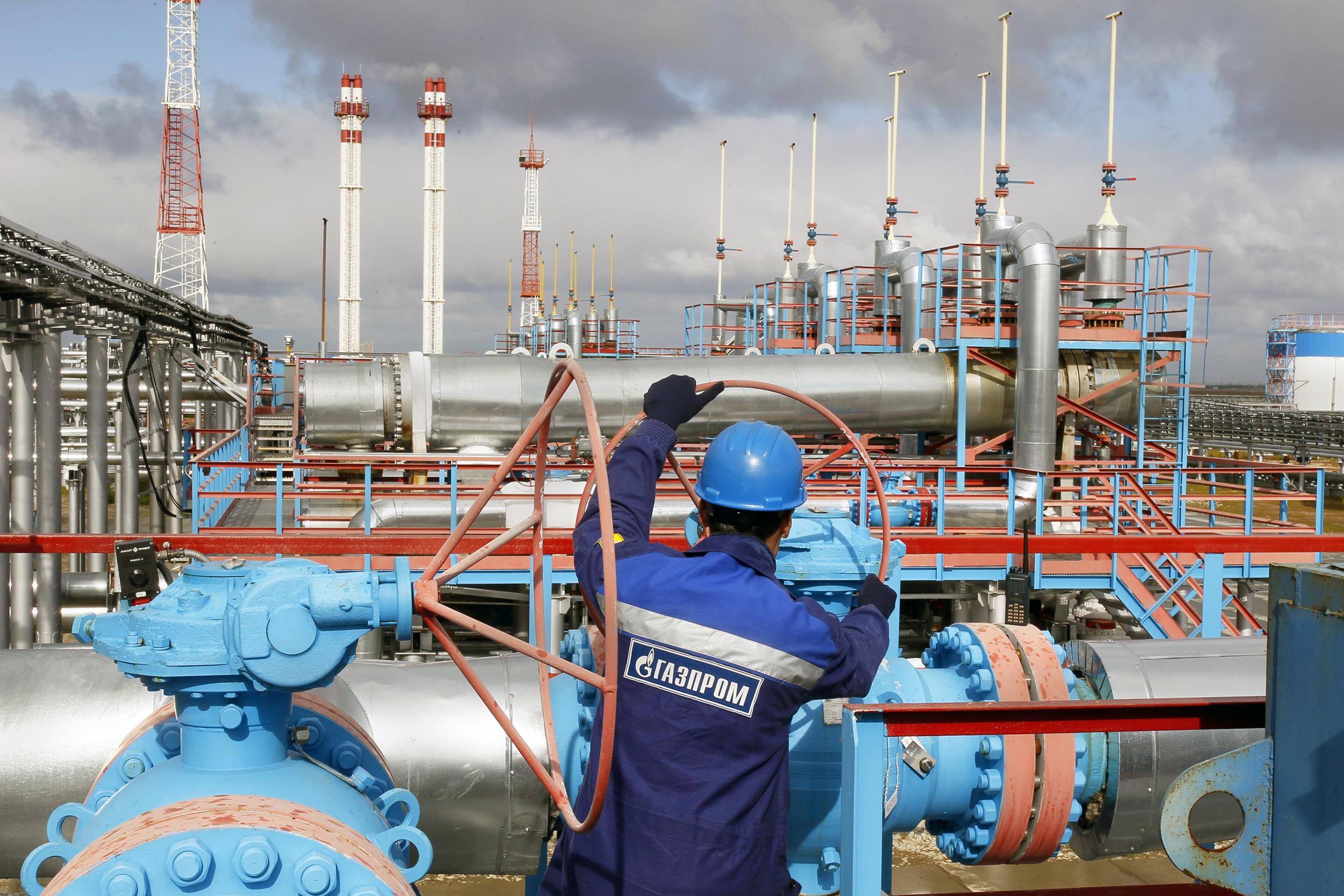 """""""Газпром"""" купил 100% """"Киргизгаза"""" за доллар"""