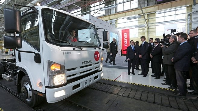На УАЗе запущено производство легкотоннажных грузовиков ISUZU по технологии полного цикла