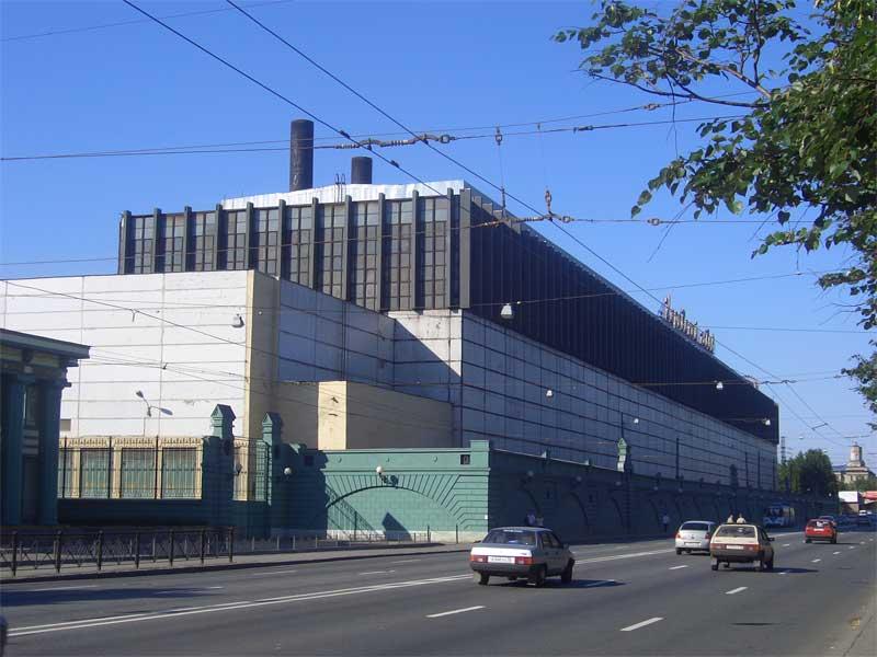 Кировский завод выполняет заказ