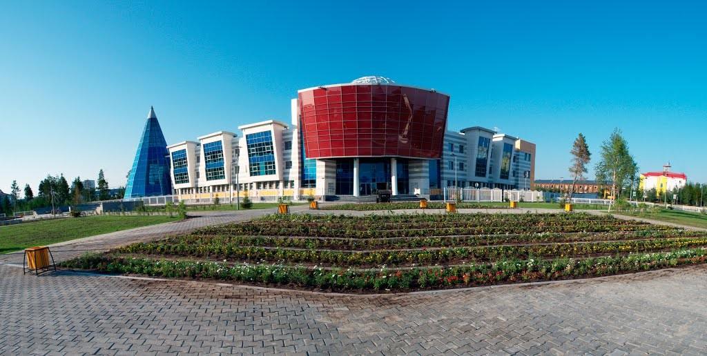 В городе Губкинский (ЯНАО) открылась новая школа искусств