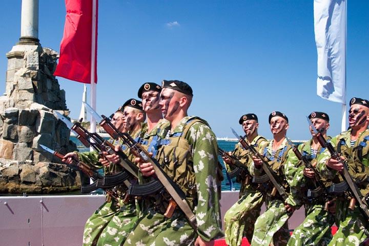 Бывшие украинские военнослужащие адаптируются в российскую армию