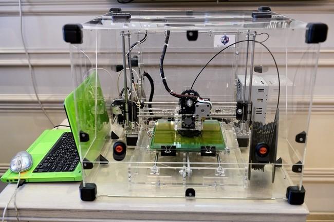 Школьники получили первый серийный бытовой 3D-принтер воронежской разработки