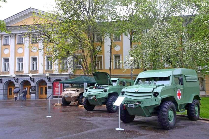 Представлены новые броневики «Торос» и «Колун»