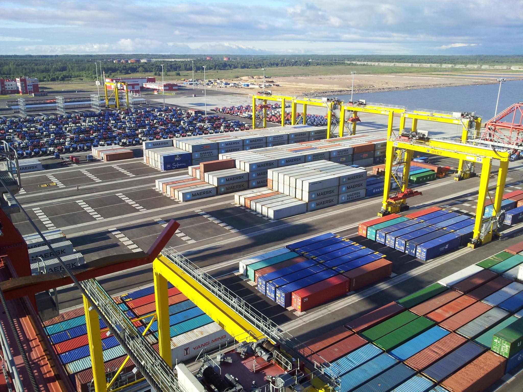 Грузооборот морских портов России за январь-апрель 2014 года вырос на 6,2% - до 197,8 млн тонн