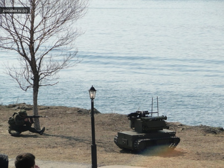 В Калиниграде наблюдаются новейшие боевые роботы Платформа-М