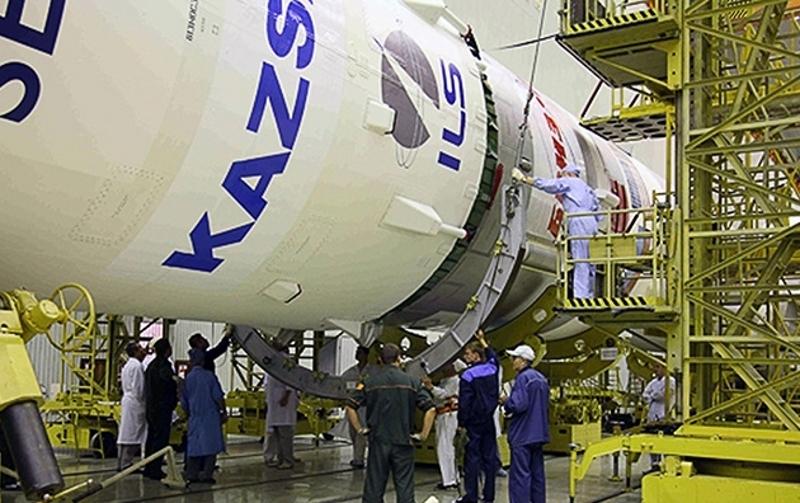 """Специалисты приступили к испытанию систем спутника """"КазСат-3"""", выведенного на орбиту Земли"""