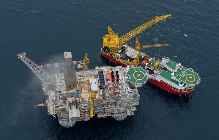 Президент России Владимир Путин распорядился ввести в эксплуатацию крупнейшую в России нефтегазовую буровую платформу «Беркут»