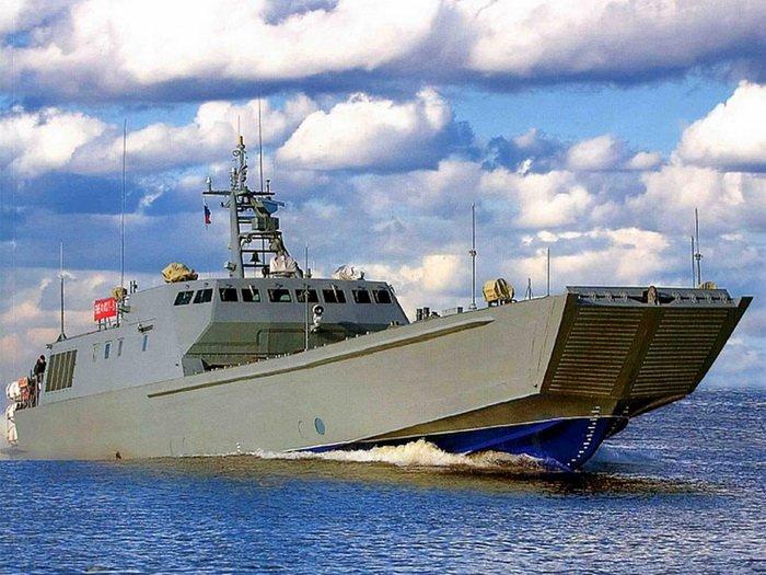 Десантный катер «Денис Давыдов» приступил к заводским ходовым испытаниям