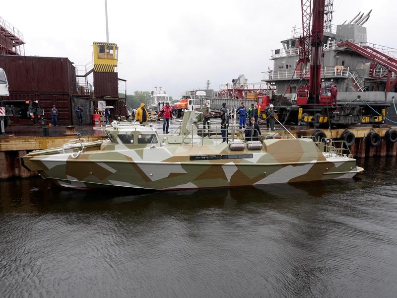 Первый серийный быстроходный патрульный катер проекта 03160 «Раптор» спущен на воду