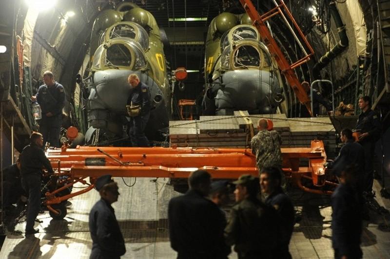"""Уникальная операция по переброске вертолётов Ми-24 на самолёте """"Руслан"""""""