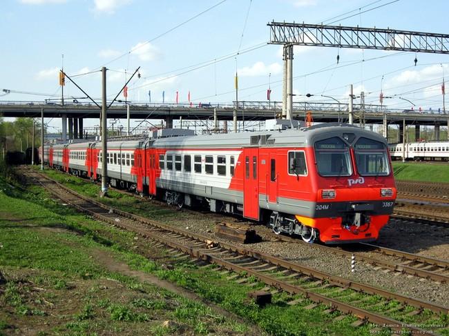 Демиховский машиностроительный завод поставил 7 электропоездов на МЖД