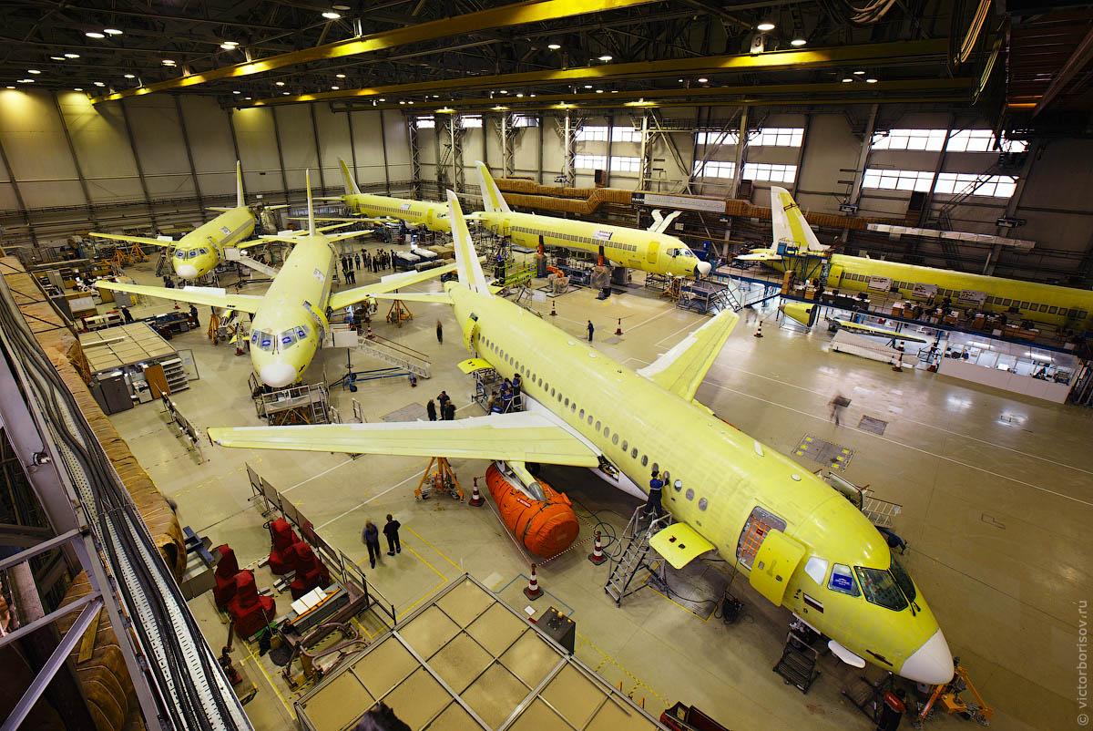 Производство самолетов Sukhoi Superjet 100 в Комсомольске-на-Амуре - фоторепортаж