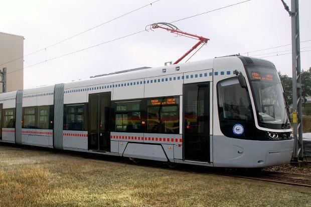 По Москве начали ходить низкопольные трамваи