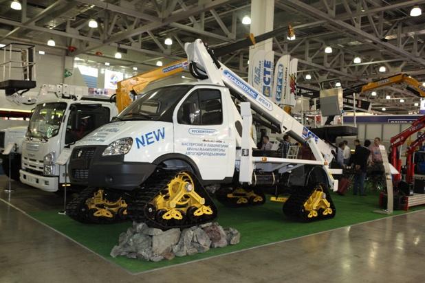 Новая уникальная разработка ГАЗ 23107 «Соболь» на полноприводном гусеничном шасси.