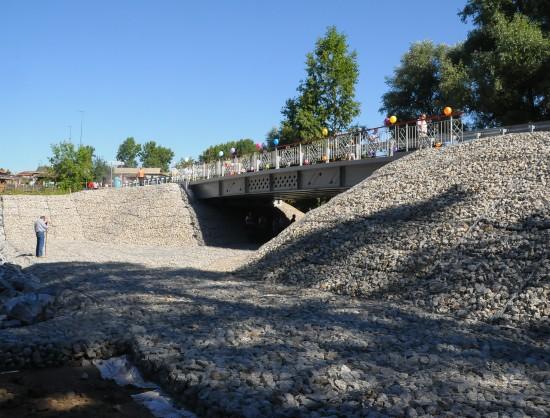 В Новосибирской области открылся первый в России автомобильный мост из стеклопластика