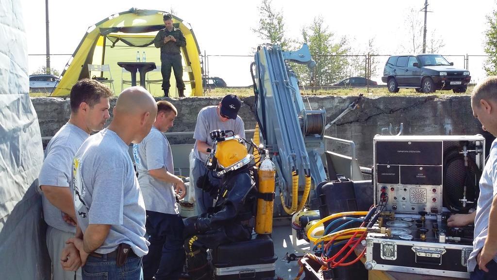Водолазы ВМФ начали подготовку к работе на ГВК-450