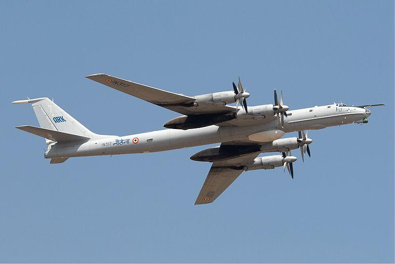 ВМС Индии лучили очередной дальний противолодочный самолет Ту-142МЭ.