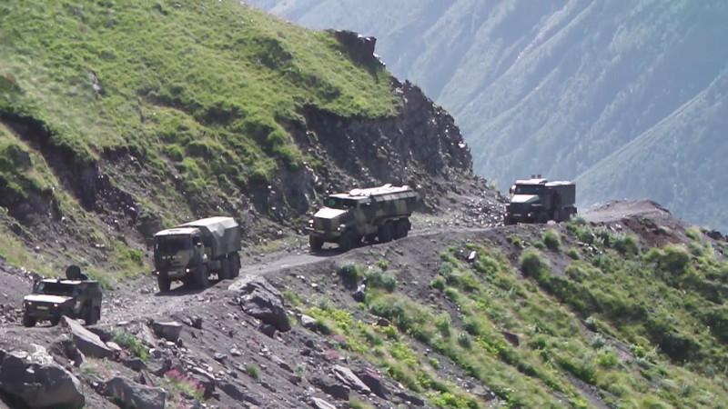 Новая военная техника испытана на Эльбрусе и в пустыне