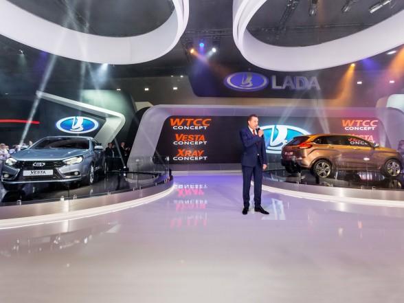 LADA Vesta и новый LADA XRAY на Московском автосалоне-2014