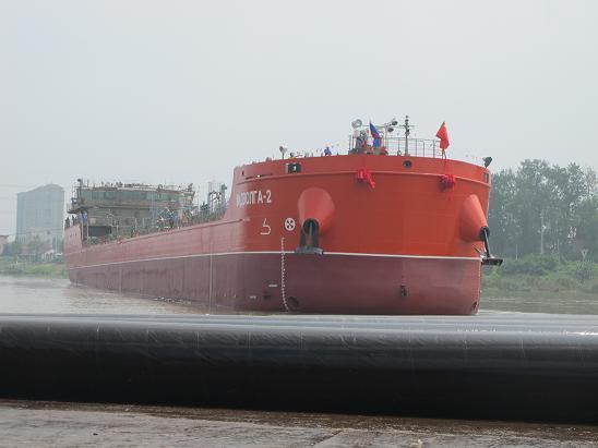 «Средне-Волжская судоходная компания» спустила на воду танкер-химовоз «Мидволга-2»