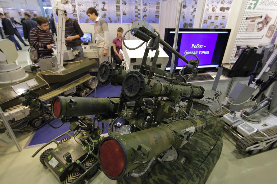 На службу в Ракетные войска РФ поступят инновационные роботокомплексы