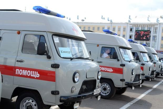 33 кировские больницы получили новые машины «скорой помощи»