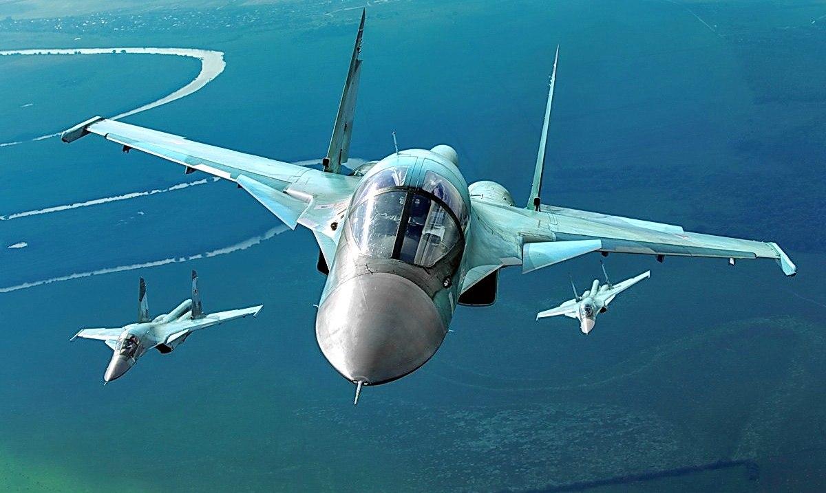"""КБ """"Сухой"""" передал ВВС России 42 новых фронтовых бомбардировщика Су-34"""