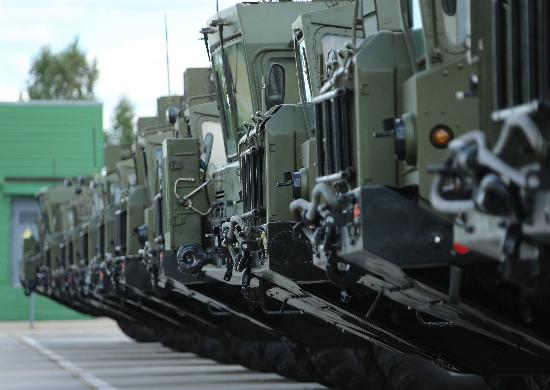 Во все перевооружаемые на ракетный комплекс «Ярс» соединения РВСН в плановом порядке поступают БПДМ «Тайфун-М»