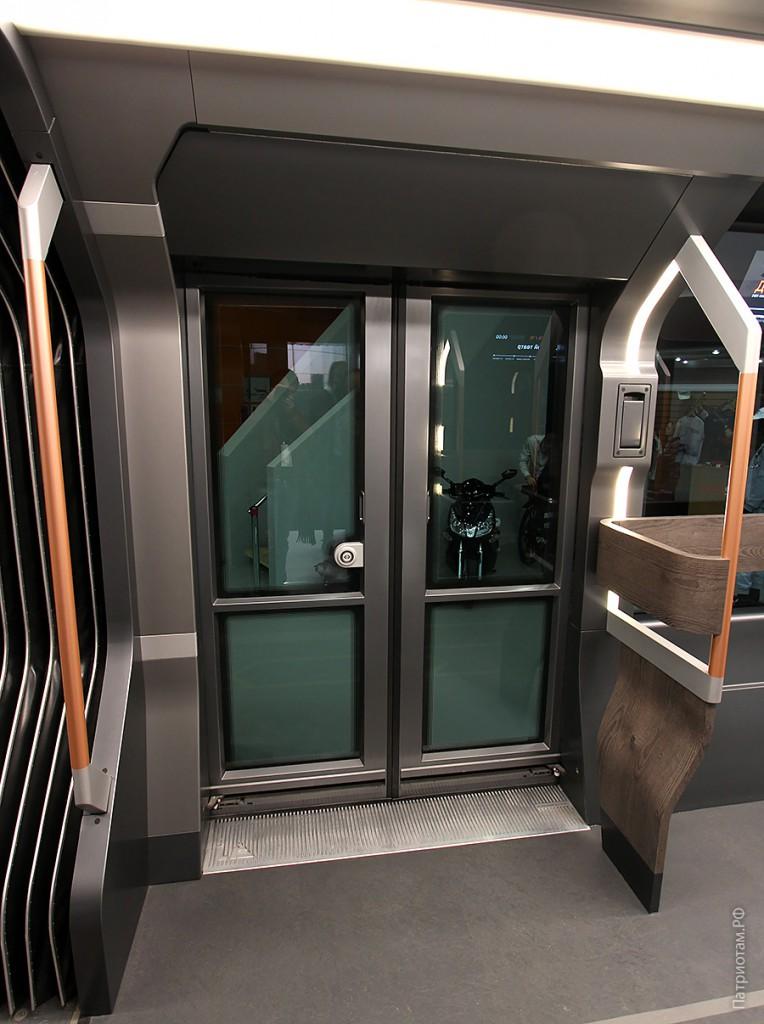 010_r1-dveri