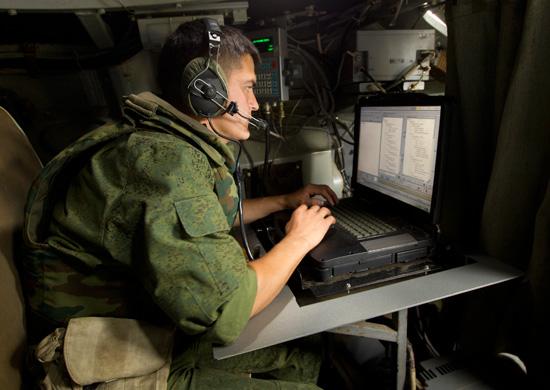 В войска Центрального военного округа поступает новая техника связи