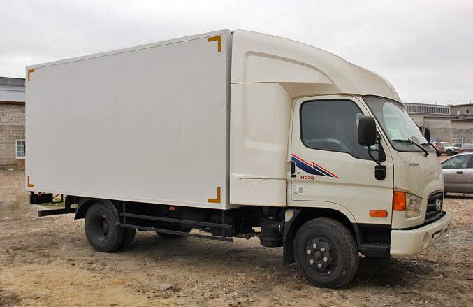 «НижСпецАвто» выпустил промтоварный фургон Hyundai HD 78 с закабинным спальником