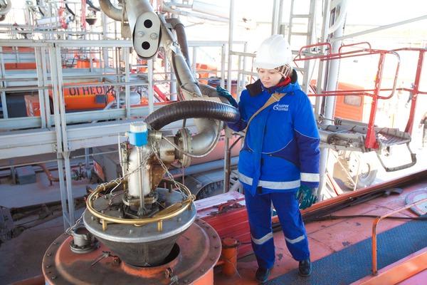 Сургутский ЗСК приступил к производству бензина марки Премиум Евро-95