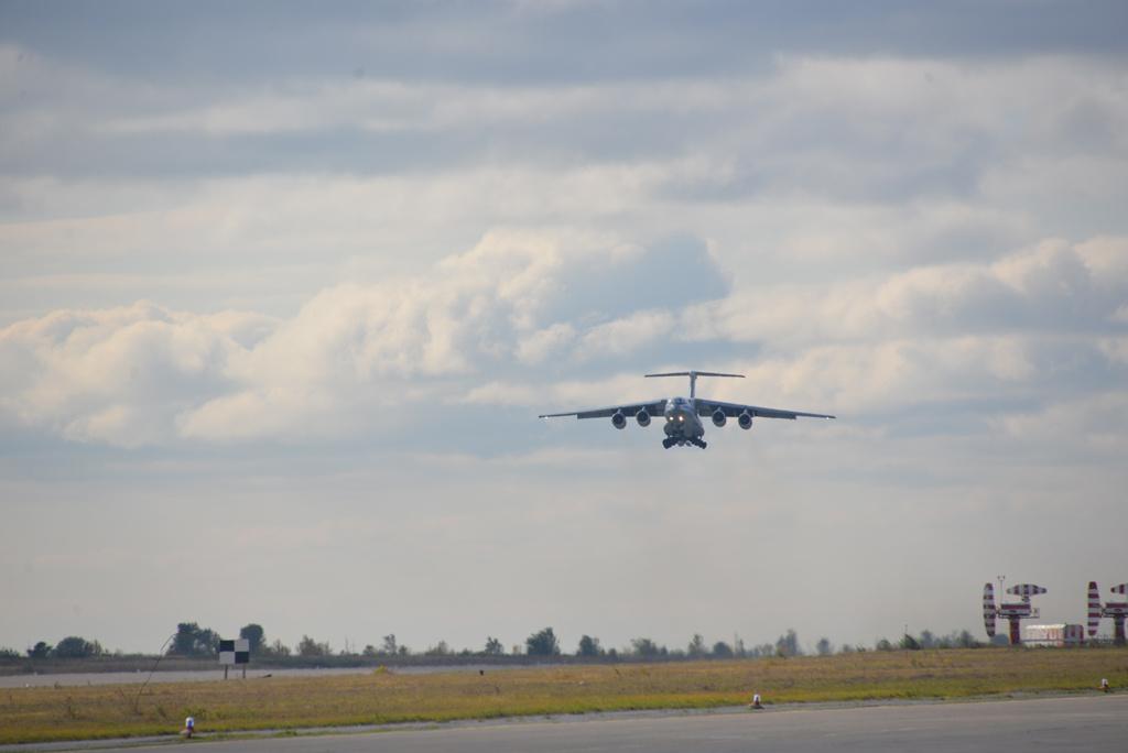 Очередной транспортный самолет Ил-76МД-90А совершил свой первый полет