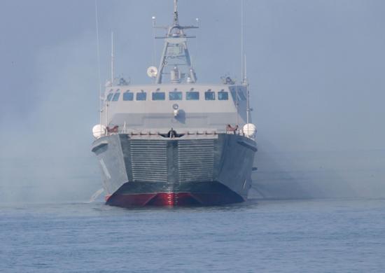 Завершены государственные испытания нового десантного катера проекта 21820 «Денис Давыдов»