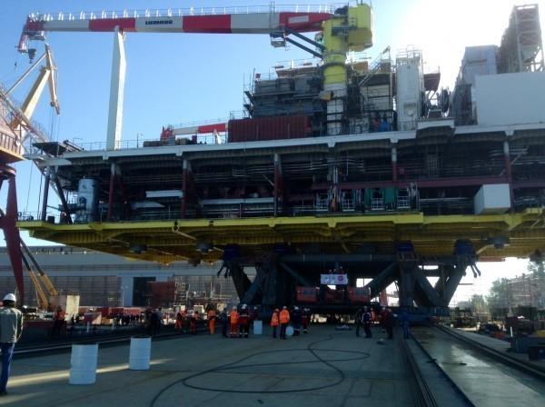 В Астрахани завершается подготовка к отправке в море Ледостойкой стационарной платформы №1