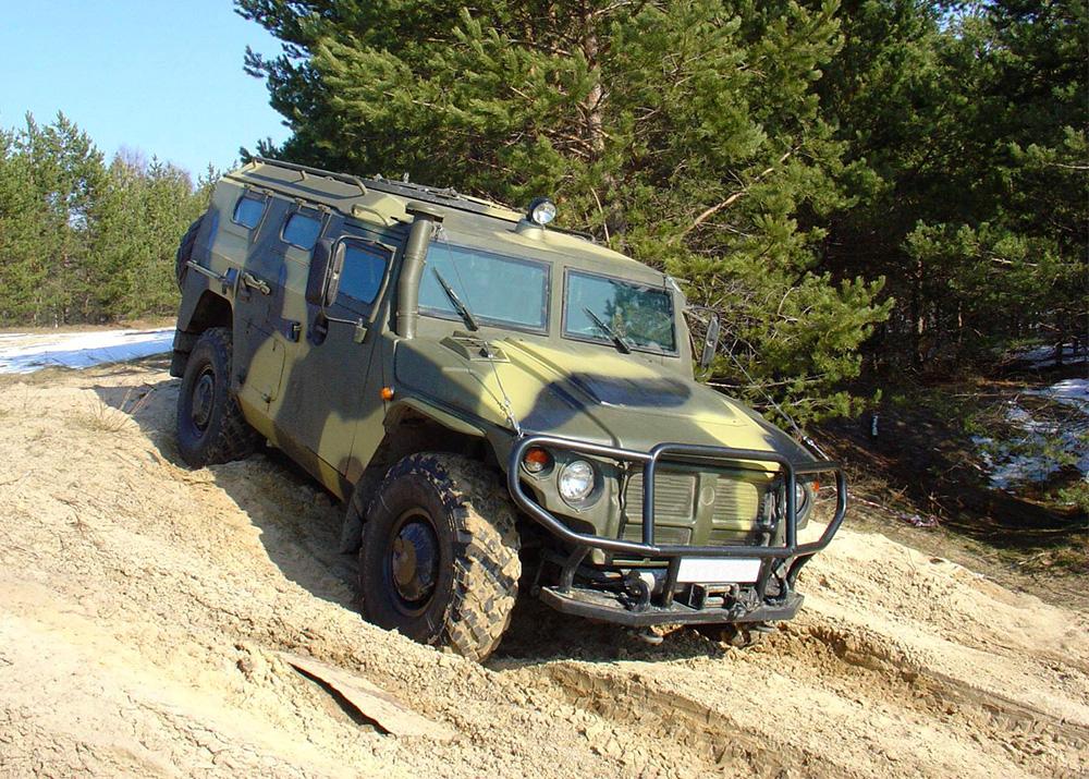 Спецназ Новосибирска получил бронеавтомобили «Тигр-М»