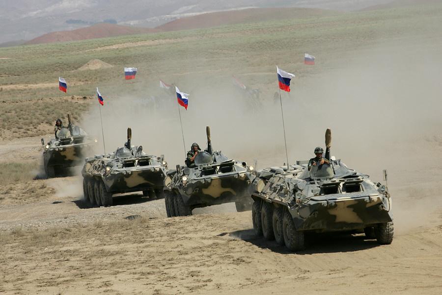 Полковые тактические учения завершились на 201-й военной базе в Таджикистане