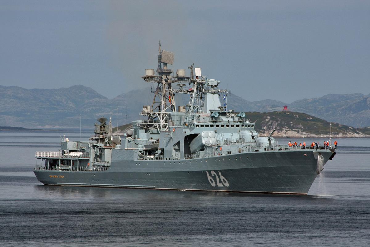 Большой противолодочный корабль «Вице-адмирал Кулаков» зашел в кипрский порт Лимасол
