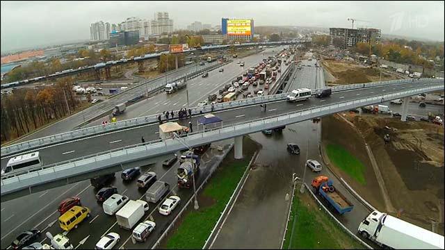 На западе Москвы открыли движение сразу по трём сооружениям