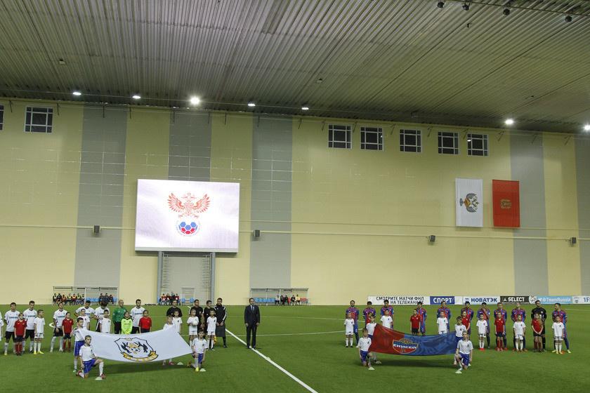 В Красноярске состоялось открытие футбольного манежа