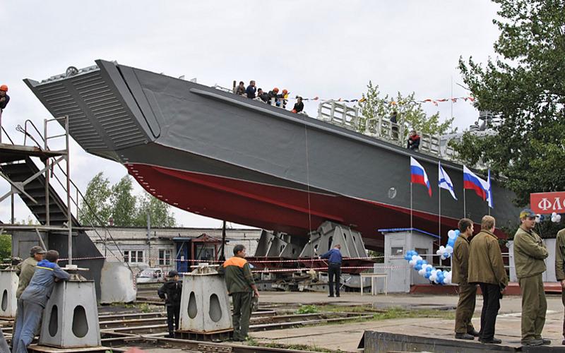 Новейший десантный катер проекта 21820 «Денис Давыдов» вошел в состав Балтийского флота (БФ).