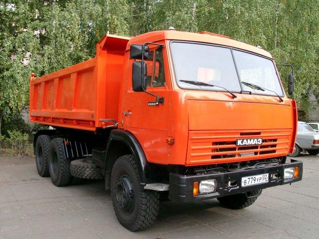 Более 100 единиц техники и оборудования прибыли из Петербурга в Симферополь