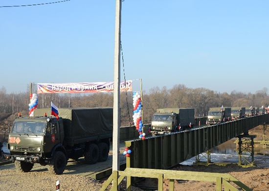 Минобороны России восстановило движение на аварийном участке автотрассы федерального значения