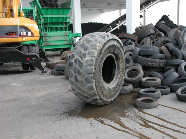 В Алтайском крае открыли завод по переработке автошин в резиновую крошку
