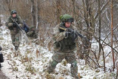 Военные разведчики начали получать экипировку «Ратник»