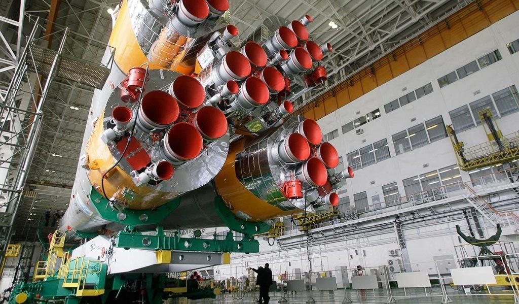 "Ракету ""Союз"" установили на стартовом комплексе космодрома Байконур"